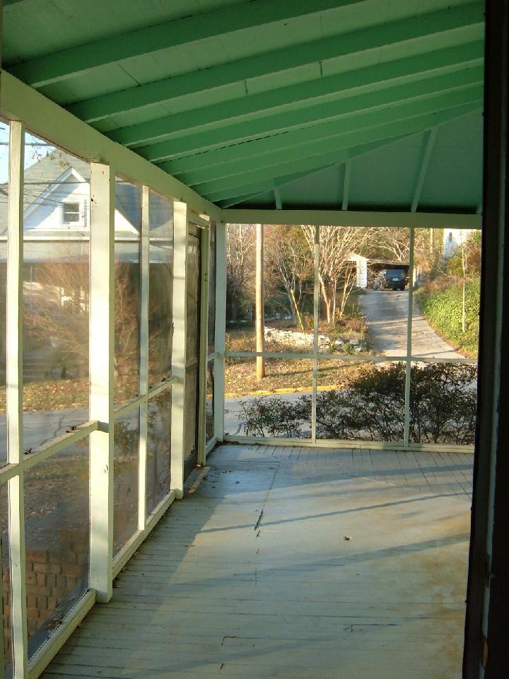 195 B Barrow Porch